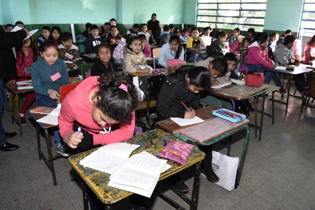 Mineduc confirma que alumnos no regresarán a clases este año