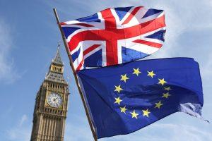 Londres revisará el acuerdo de Brexit aunque acepta que viola derecho internacional