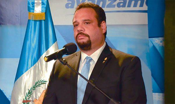 Migración activa alerta para evitar que exministro de Comunicaciones, José Luis Benito, salga del país