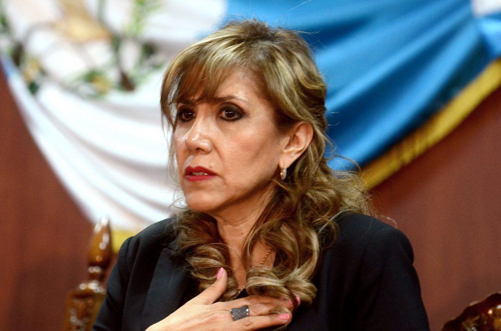 Los magistrados de la Corte de Constitucionalidad (CC) deberán retrasar un día más el Pleno para conocer la solicitud de declaratoria de vacante del magistrado Neftaly Aldana, esto luego de que la magistrada Dina Ochoa se excusara de esa reunión, argumentando tener quebrantos de salud.