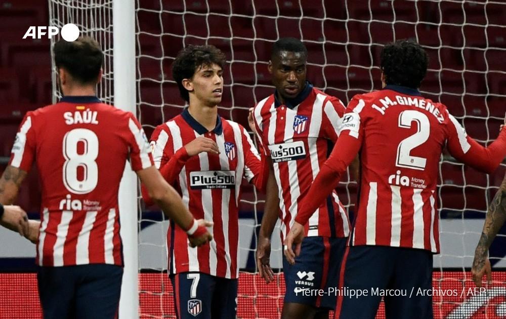El Atlético de Madrid (3º) recibe el sábado al Barcelona (8º) en el choque estrella de la 10ª jornada de LaLiga, con los rojiblancos tratando de dar un paso de gigante para alcanzar al líder, la Real Sociedad.